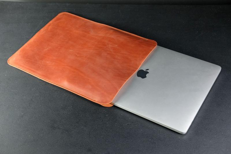Чехол для MacBook Винтажная кожа цвет Коньяк