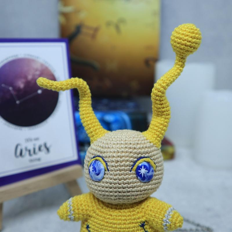 Вязаная игрушка кукла, знак зодиака Овен, подарок на день рождения