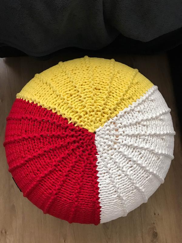 Вязаный пуф Ribs трехцветный