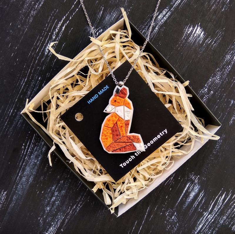 Геометрическая подвеска рыжий Лисенок. Минималистичный кулон Лиса ручной работы. Лисичка на цепочке