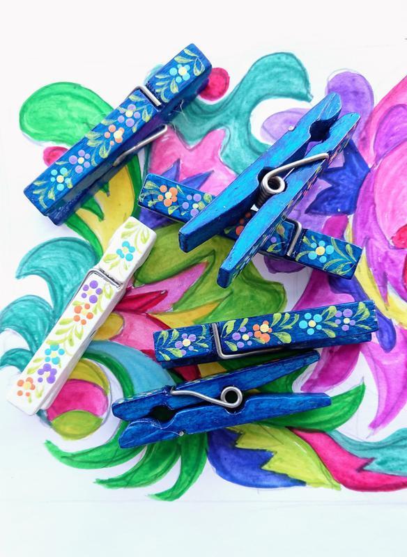Набор декоративных разноцветных прищепок
