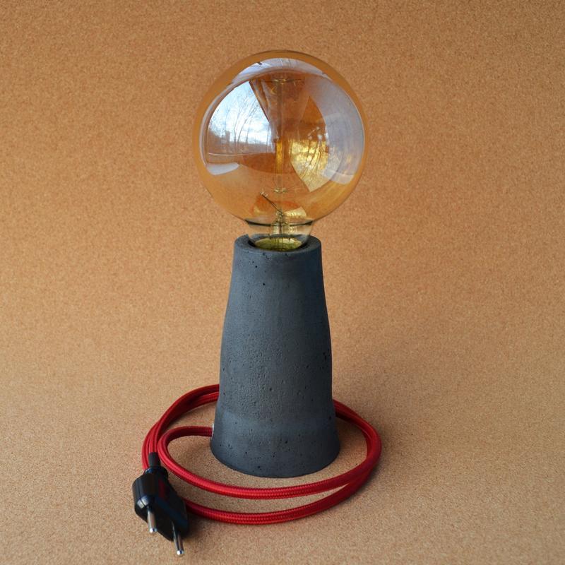 Світильник ручної роботи з бетону