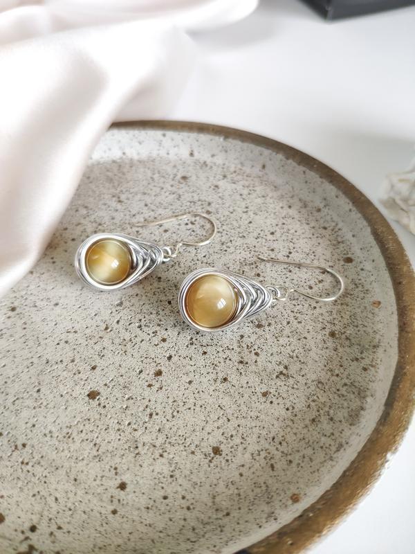 Серьги с желтым тигровым глазом на серебряном крючке, Простые витые сережки с натуральным камнем