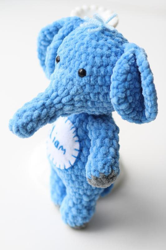 Именной слоник из плюшевой пряжи