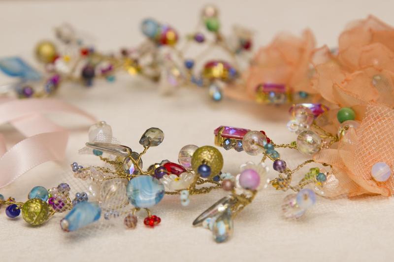 Нежное колье с кристаллами Svarovski
