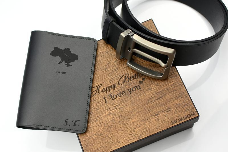 Мужской кожаный набор ремень и обложка для паспорта Кожаный мужской ремень Именной кожаный набор