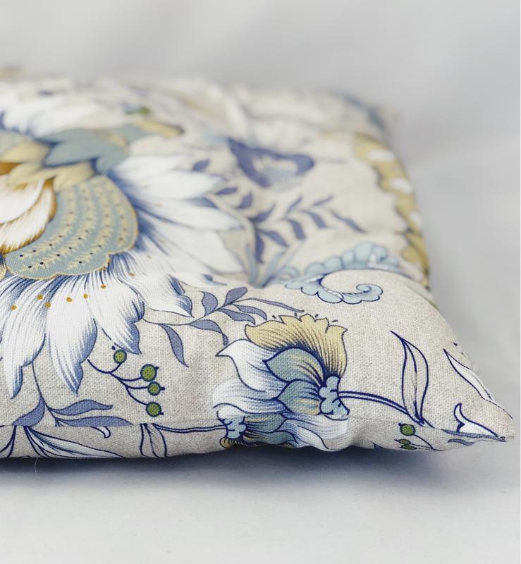 Подушка на стул с цветами. Квадратная подушка. Мягкое сиденье.