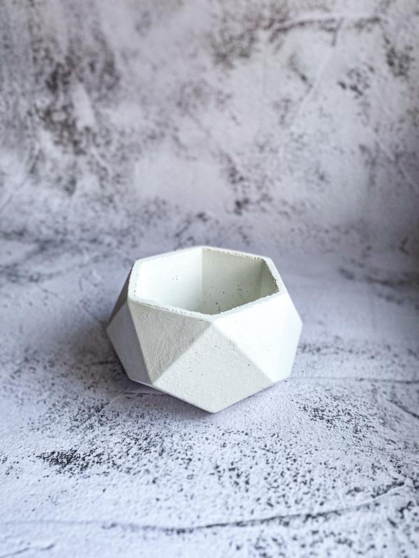 Бетонный горшок. Кашпо из бетона