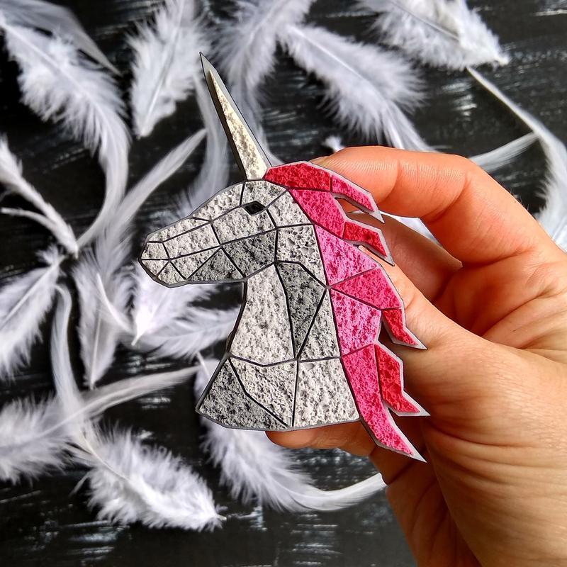 Авторская геометрическая брошь Единорог. Необычная полигональная брошь Юникорн. Украшение из Лошадью