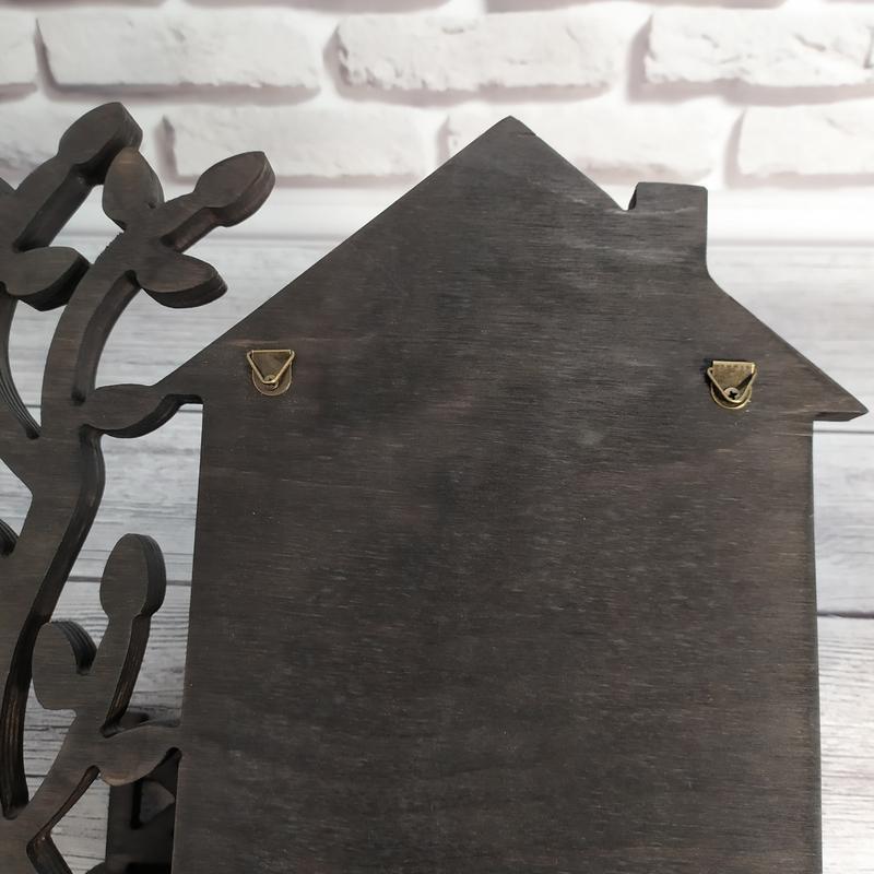 "Ключница из дерева с полкой ""Щаслива родина"""