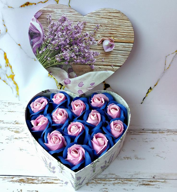 Подарочный набор из мыльных роз в коробке сердце. Букет из мыла. Подарок подруге, жене
