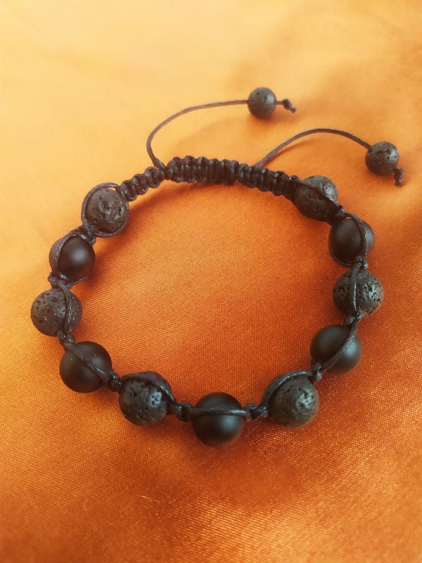 Стильный мужской браслет - шамбала из оникса и лавы