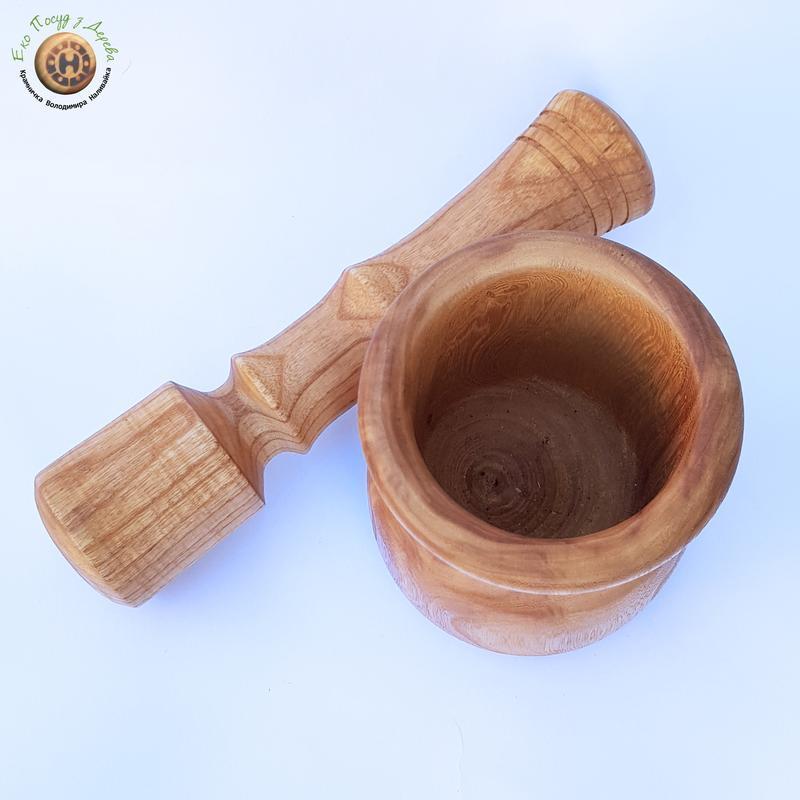 Деревянная ступка и пестик из береста