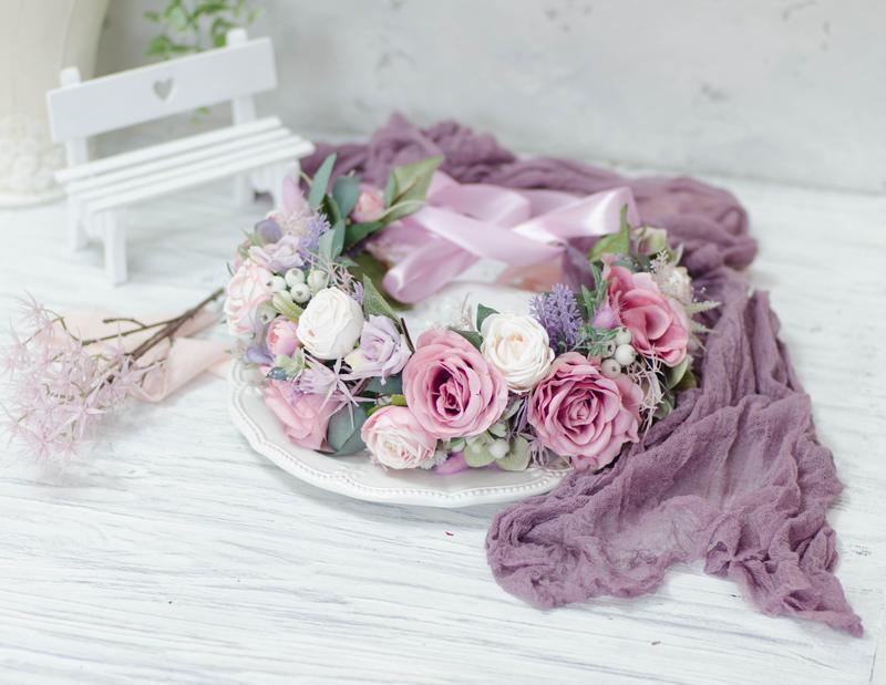 Большой венок на волосы с розами и лавандой
