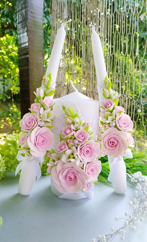 """Свадебные бокалы и свечи """" Розовые розы и фрезии"""""""