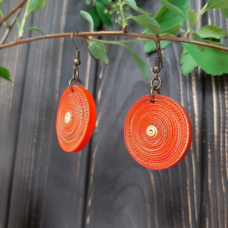 Червоні сережки з полімерної глини