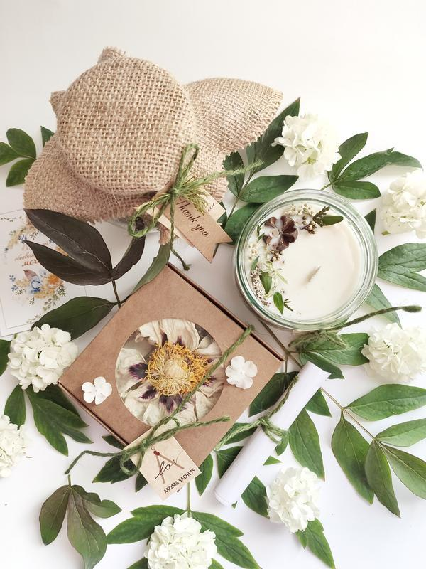 ЭКО набор для релакса: морская соль, аромасвеча и лепестки цветов для ванной.