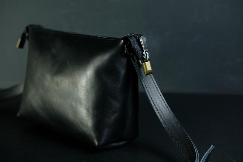 Кожаная сумка, сумочка Лето, кожа итальянский краст, цвет Черный