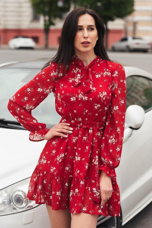 Красное платье мини из шифона