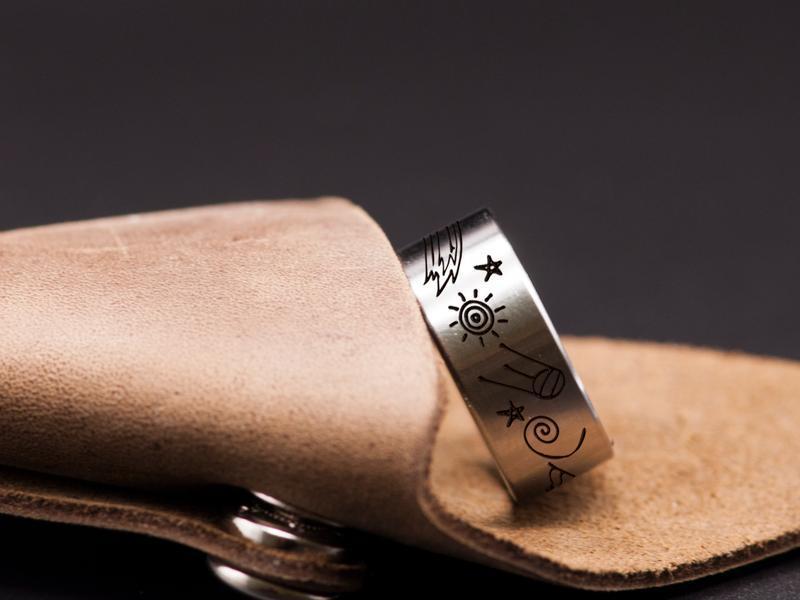 Оригинальное кольцо с гравировкой Космос из медицинской стали