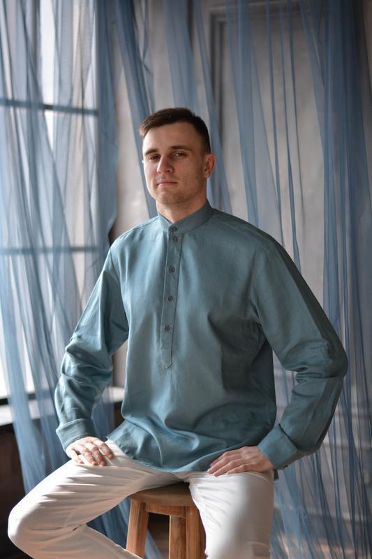 Мужская рубашка из 100% льна с воротником стойка и закатывающимися рукавами