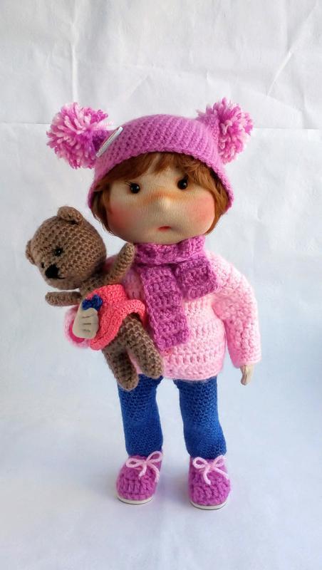 Текстильная кукла Арина с любимой игрушкой.