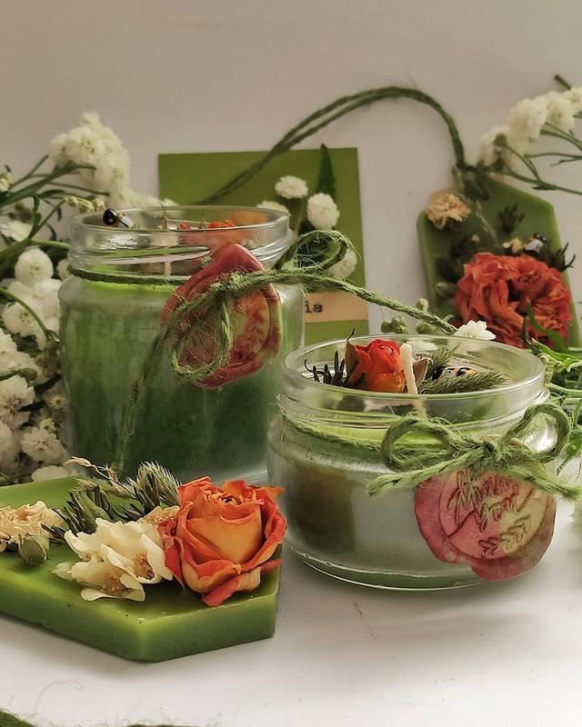 Подарочный набор восковых зеленых свечей для привлечения благополучия