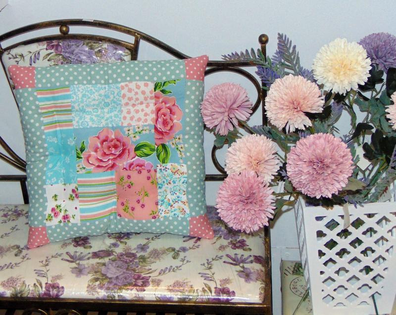 Подушка - сидіння печворк, ексклюзивне сидіння для стільці у стилі коттеджкор
