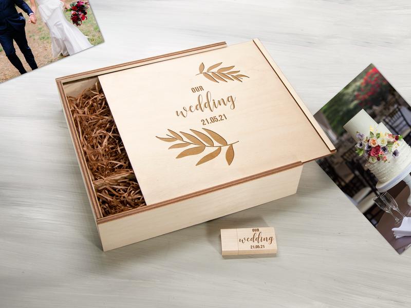 Фанерная коробка для фотографий и флешки с гравировкой Our Wedding