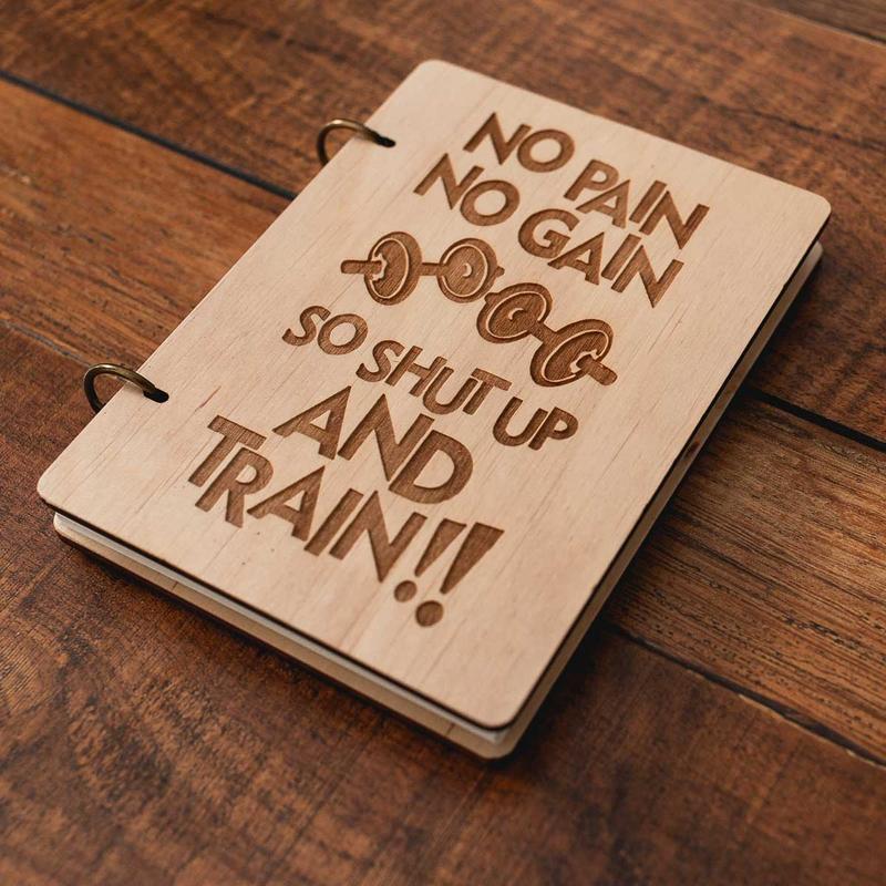Мотивационный блокнот с деревянной обложкой. Подарочный блокнот для записи тренировок.