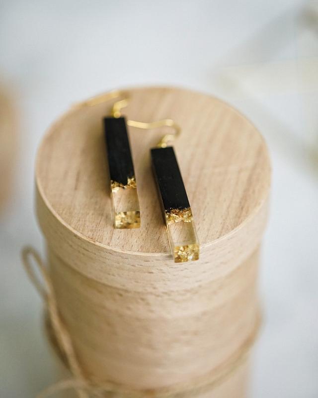 Серьги из дерева и ювелирной смолы, Сережки с золотом, Деревянные серьги подвески для девушки, маме
