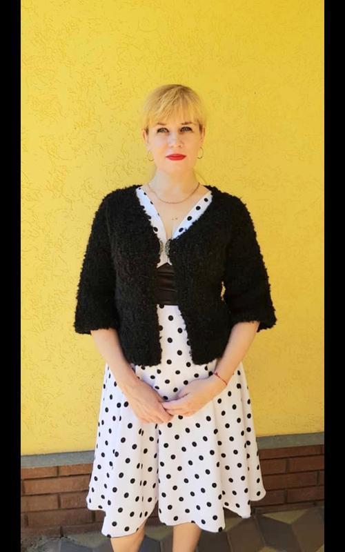 Кардиган чёрный, короткий Жакет женский,  вязаный с короткими рукавами с  серебряной застёжкой