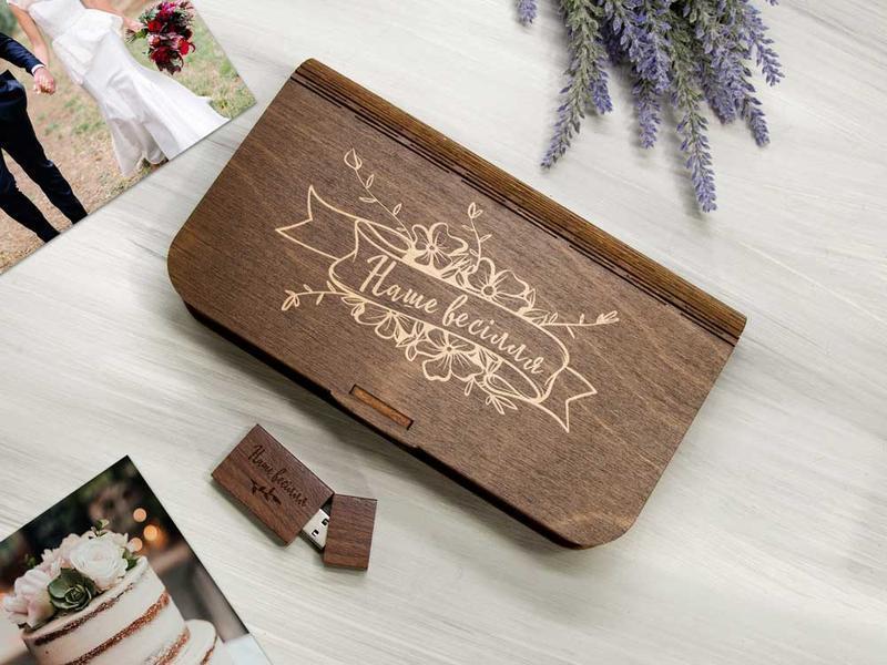 Коробочка для хранения свадебных фотографий с отделением для флешки