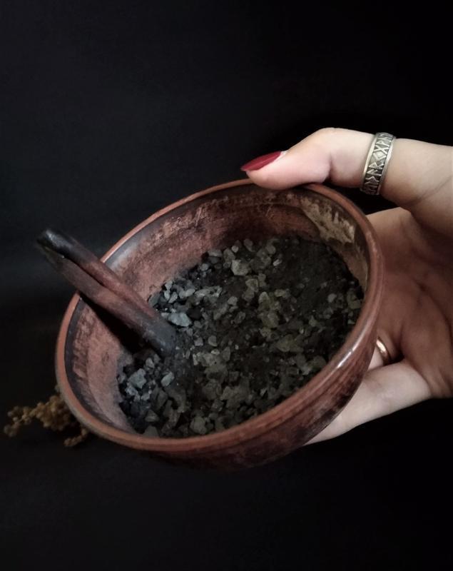 Чорна відьмина сіль