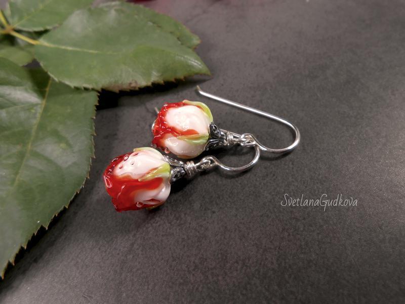 Серебряные серьги с цветами
