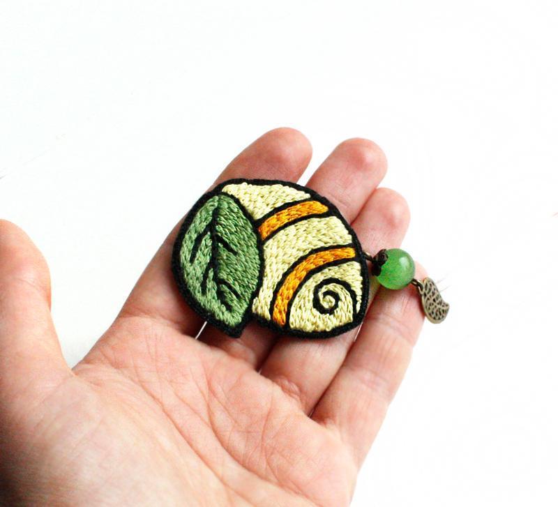 Большая брошь лимонная долька Брошь с камнями Подарок для мамы на 8 марта