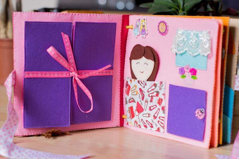 Развивающая книга из фетра для девочки от 3-х лет.