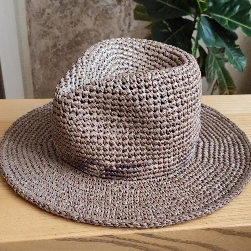 Капелюх-федора з рафії