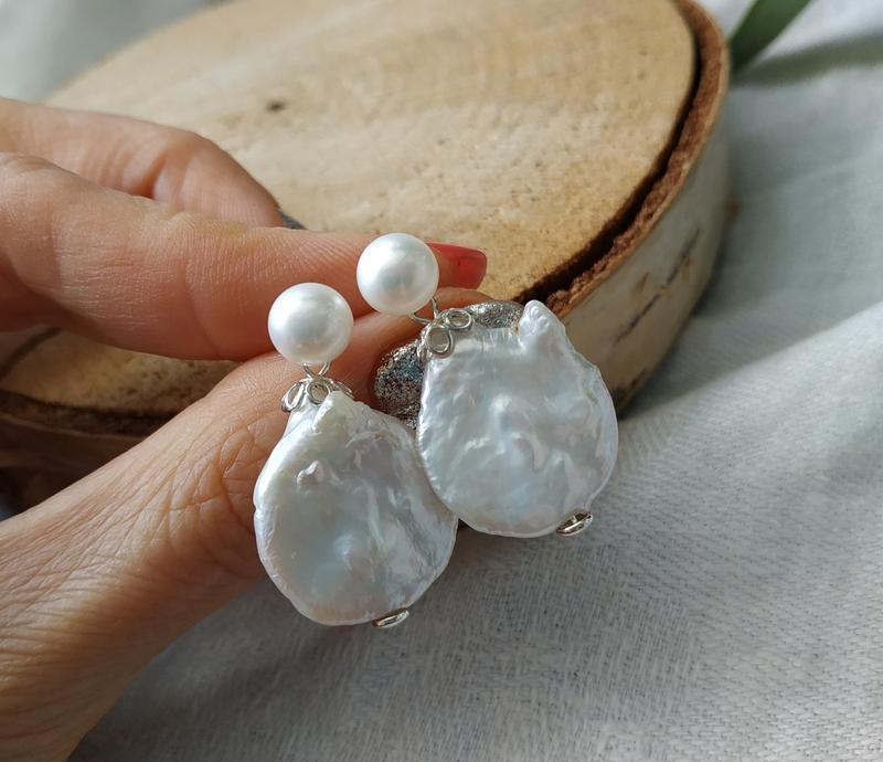 Серебряные серьги - пусеты с барочным жемчугом ′Маргарита′