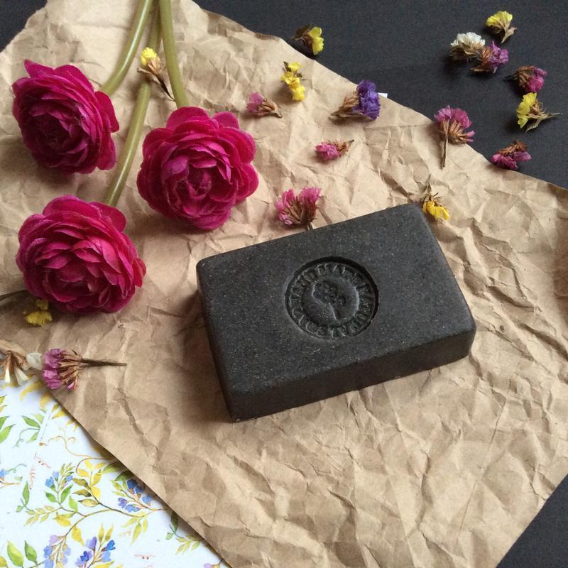 Натуральное мыло ручной работы с черной глиной
