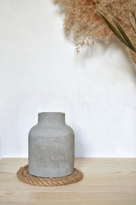 Купить ваза из бетона состав бетонной смеси калькулятор