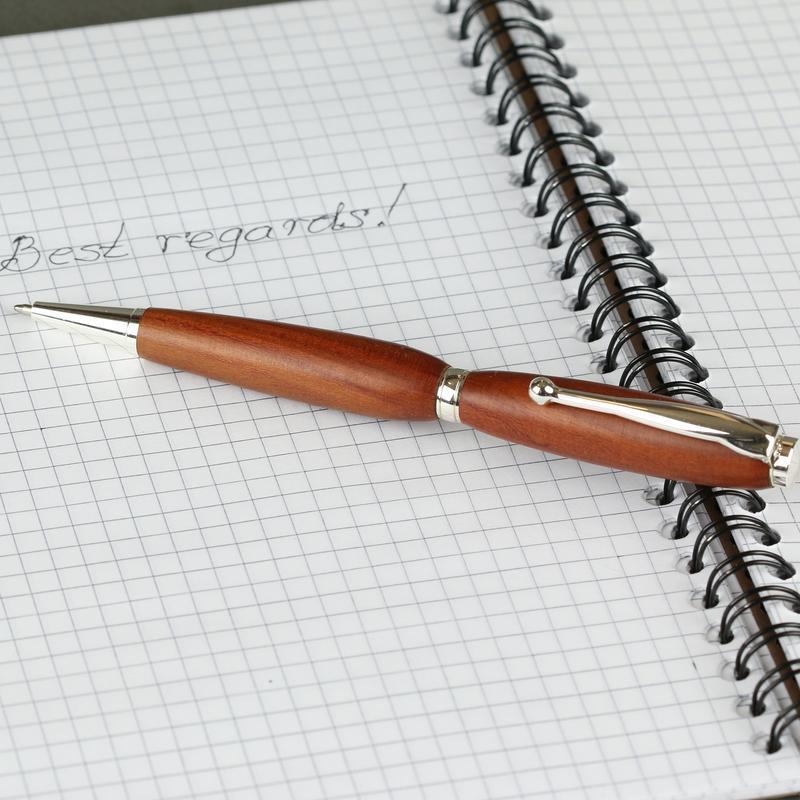 Авторучка деревянная, модель Фентези - слива