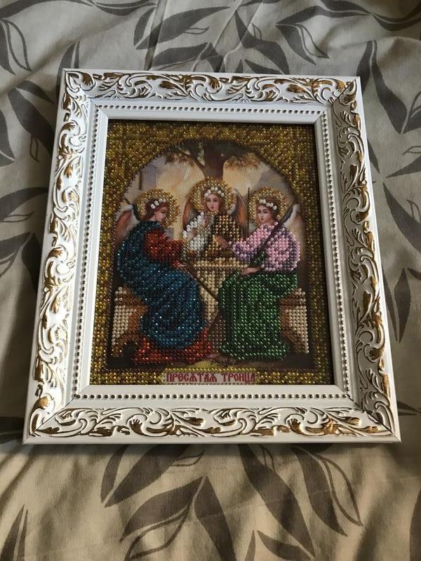 Икона «Святая Троица» вышитая чешским бисером.