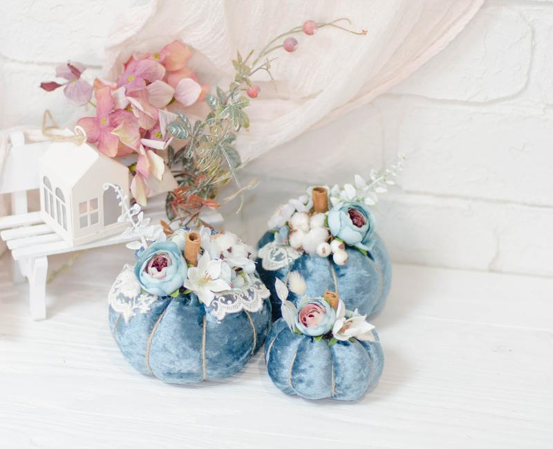Набор бархатных тыкв с декором 3шт. Голубой
