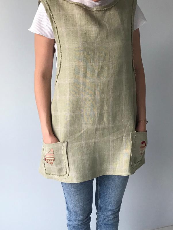 Льняний фартух-сарафан з вишивкою