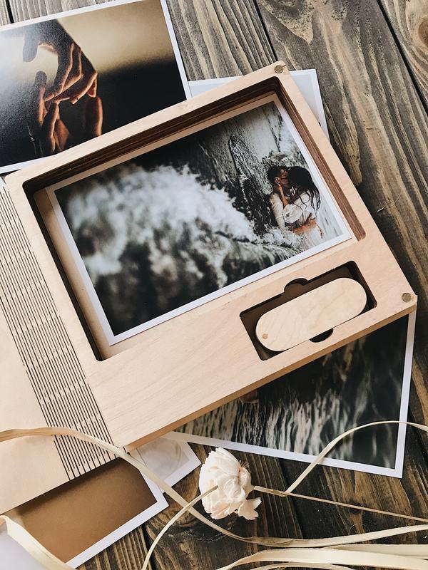 """Коробка под фото и флешку  [15х21]. Серия """"Book"""""""