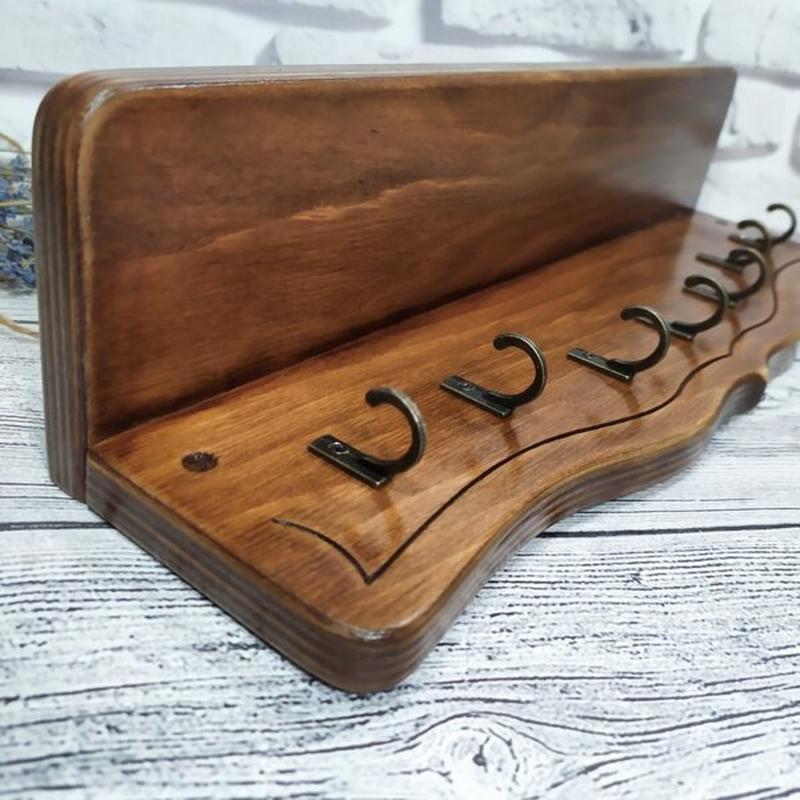 Настенная ключница с полкой для 7 связок ключей