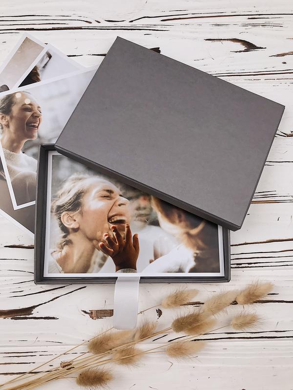Картонная коробка для фото [15×21].