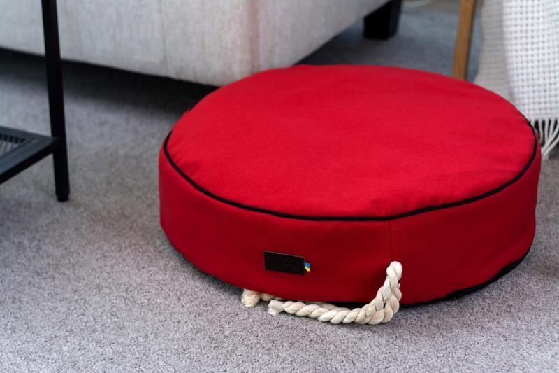 Лежак - подушка для собак і кішок Pets Lounge Pet Pillow Red, 55 см