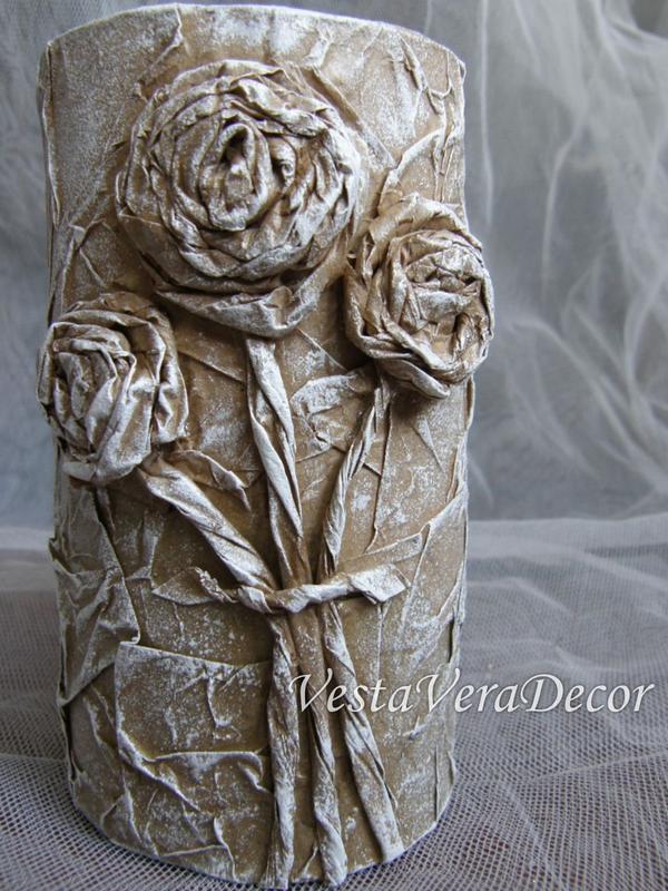 Ваза (подставка) интерьерная для сухоцветов или композиций из искусственных цветов.